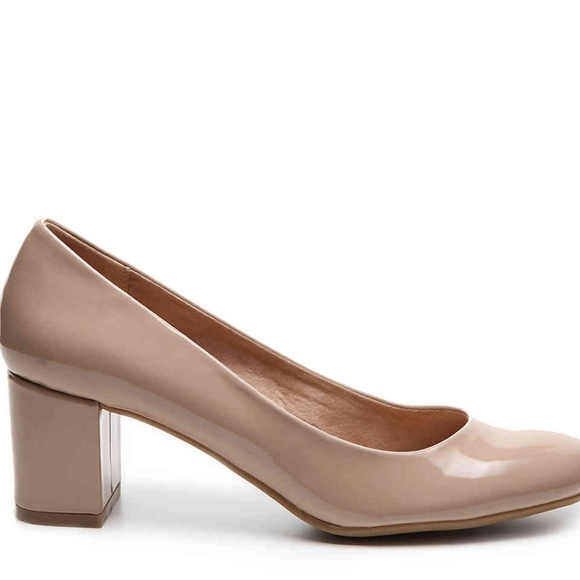 e48cceb6f44 CL By Laundry Nude Patent Block Heel Pump size 8.5